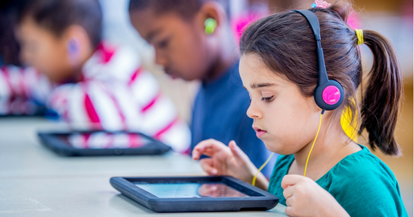 How Podcasts Can Improve Literacy in the Classroom | Common Sense Education