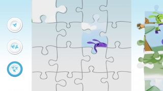 Kids can choose an image and the number of pieces in the puzzle game.