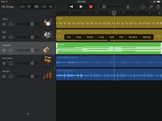 Multitrack supports up to 32 tracks, 350 measures at 120bpm.