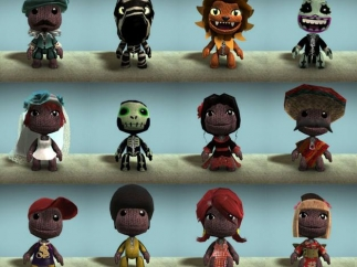 Players can customize their Sackboys and Sackgirls.